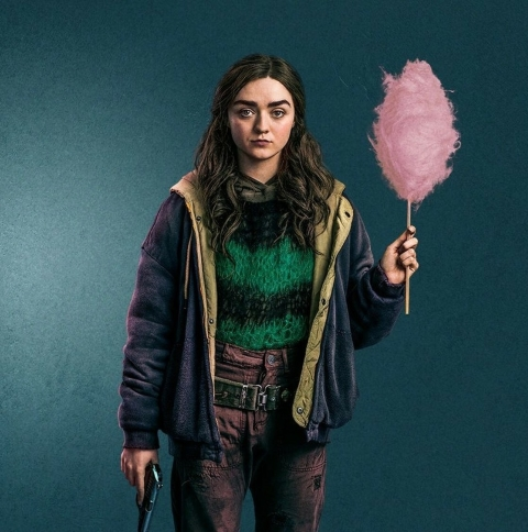 Maisie Williams Two Weeks To Live Wallpaper in 480x484 Resolution