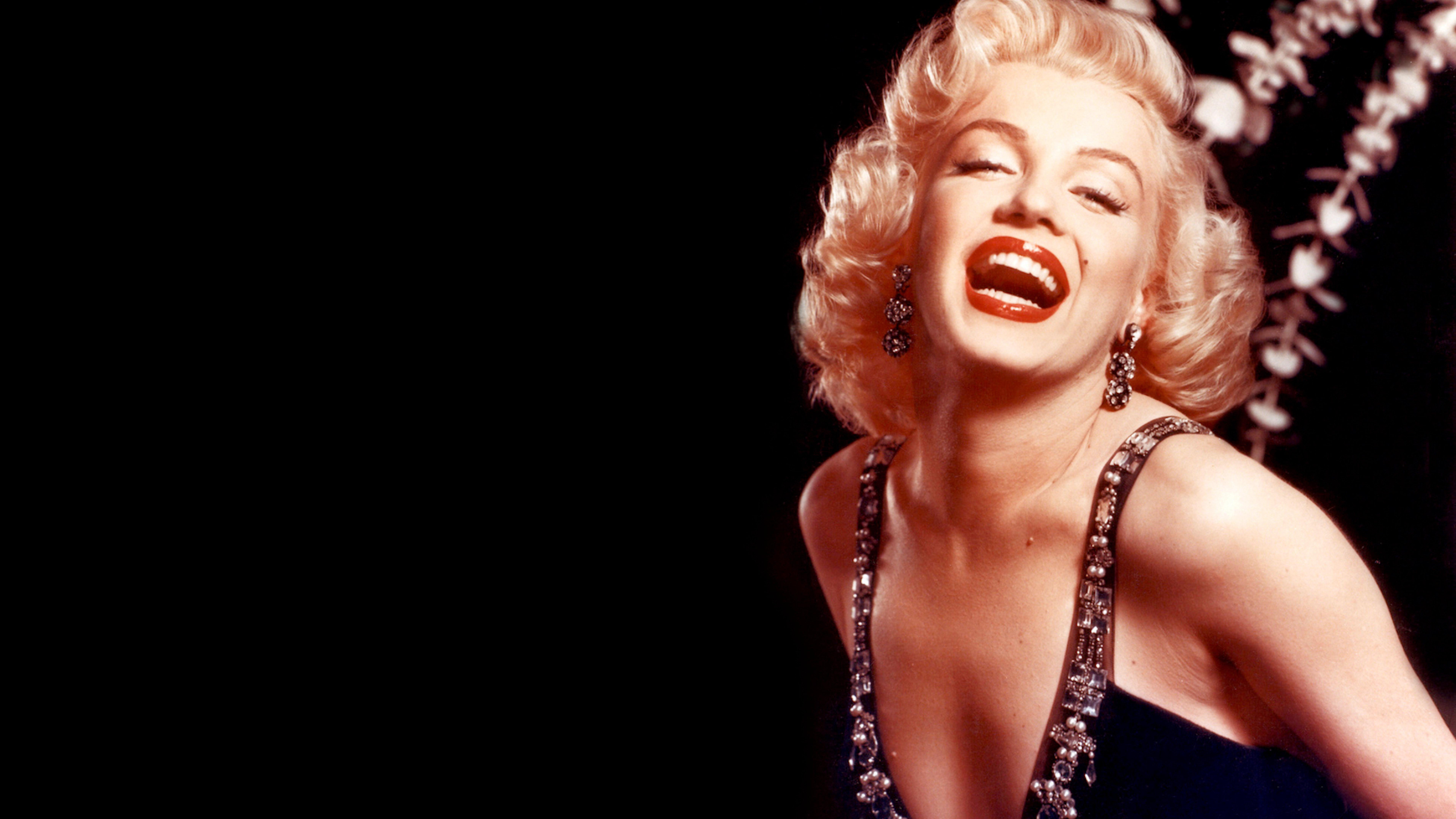 7680x4320 Marilyn Monroe Boobs Images