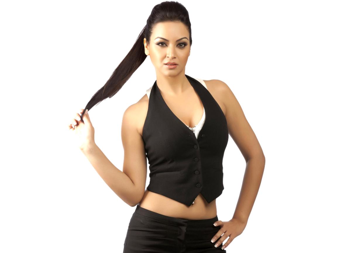 1152x864 Maryam Zakaria Hot Hd Wallpaper 1152x864
