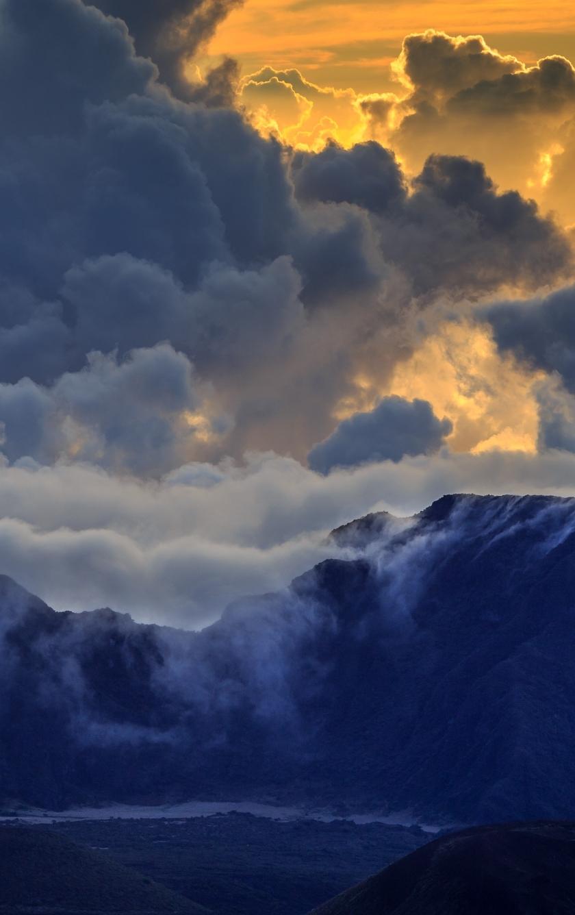 Maui Mountain Volcano Island Clouds, HD 4K Wallpaper