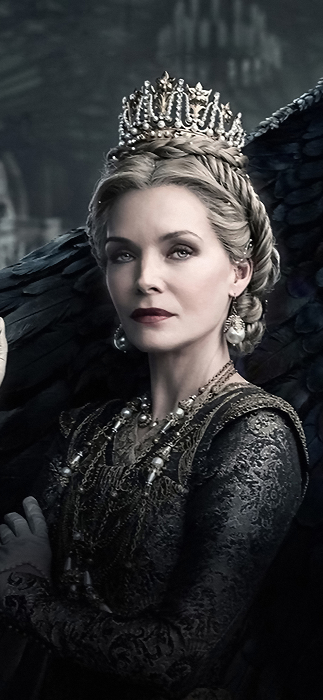 1125x2436 Michelle Pfeiffer In Maleficent Mistress Of Evil