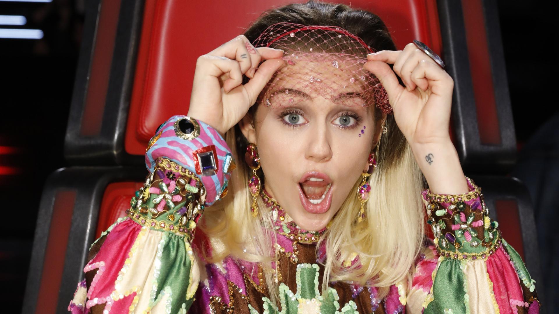 Miley Cyrus Hot wallpaper | celebrities | Wallpaper Better