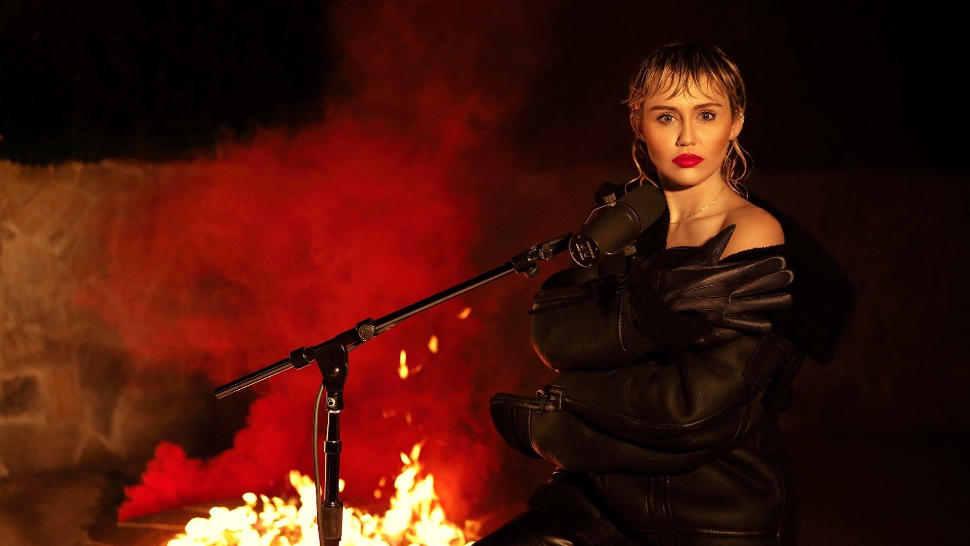 Miley Cyrus | Miley, Miley cyrus, Hottest celebrities