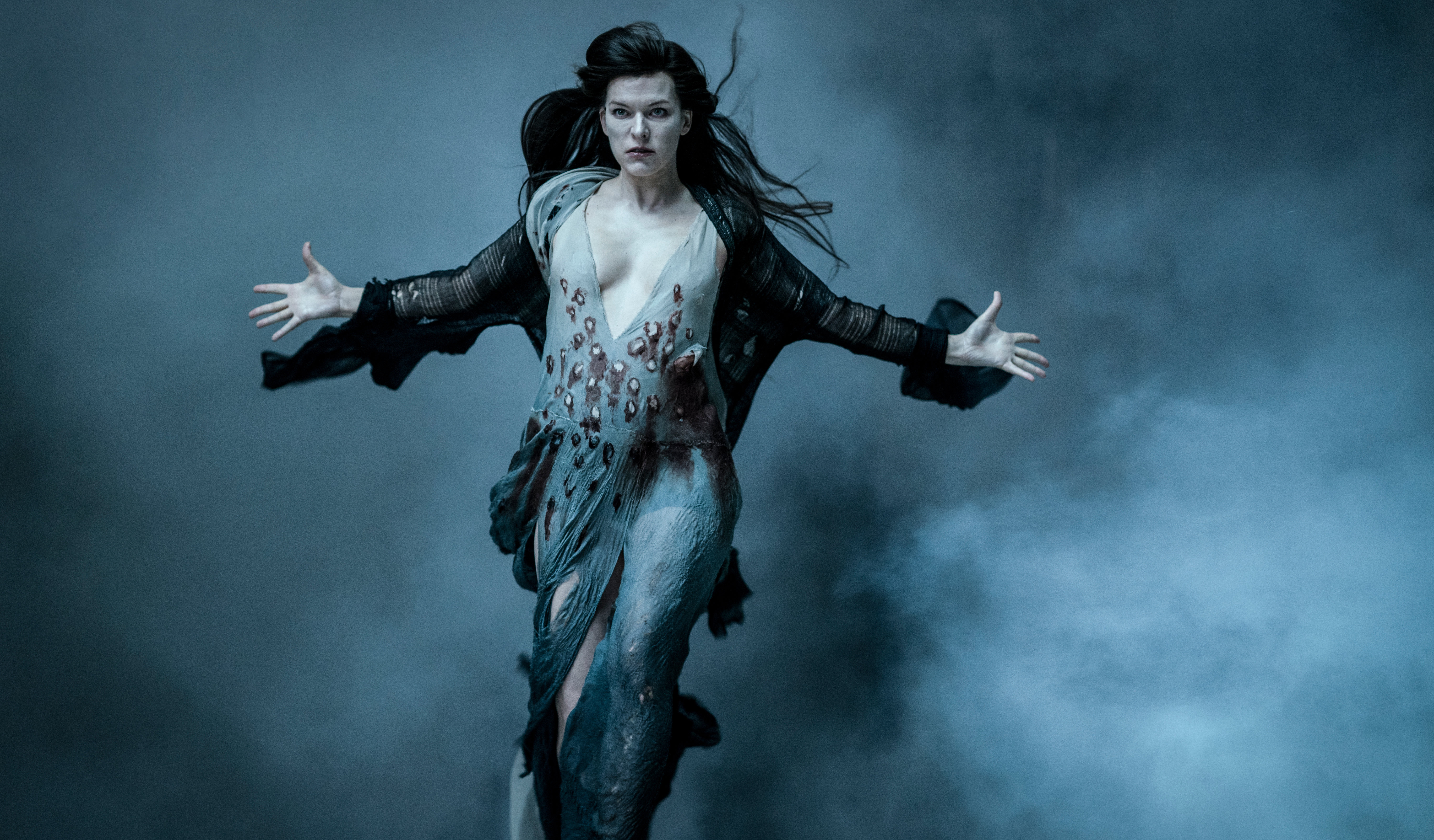 milla jovovich as blood queen in