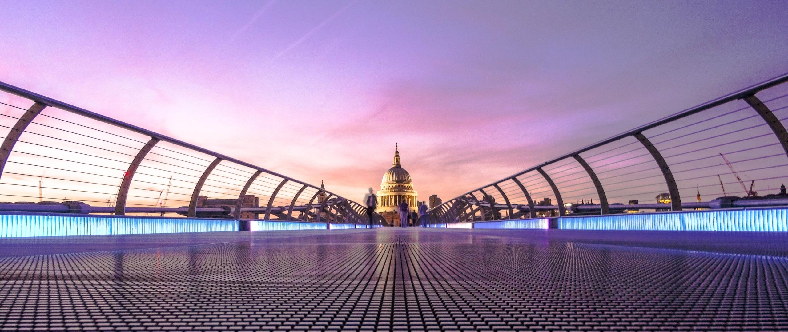 download millennium bridge london 7680x4320 resolution hd