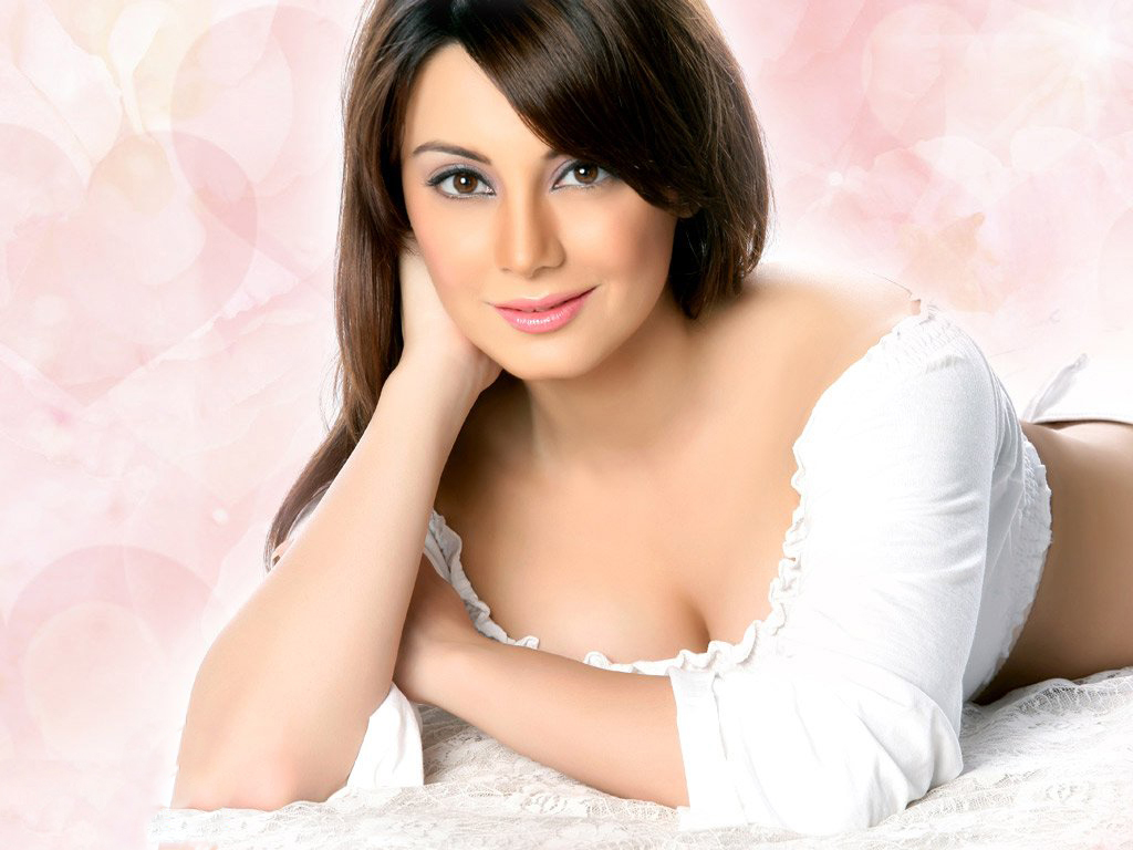 minissha lamba hot cleavage, hd wallpaper