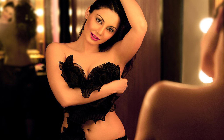 Sexy minisha lamba hot nude videos