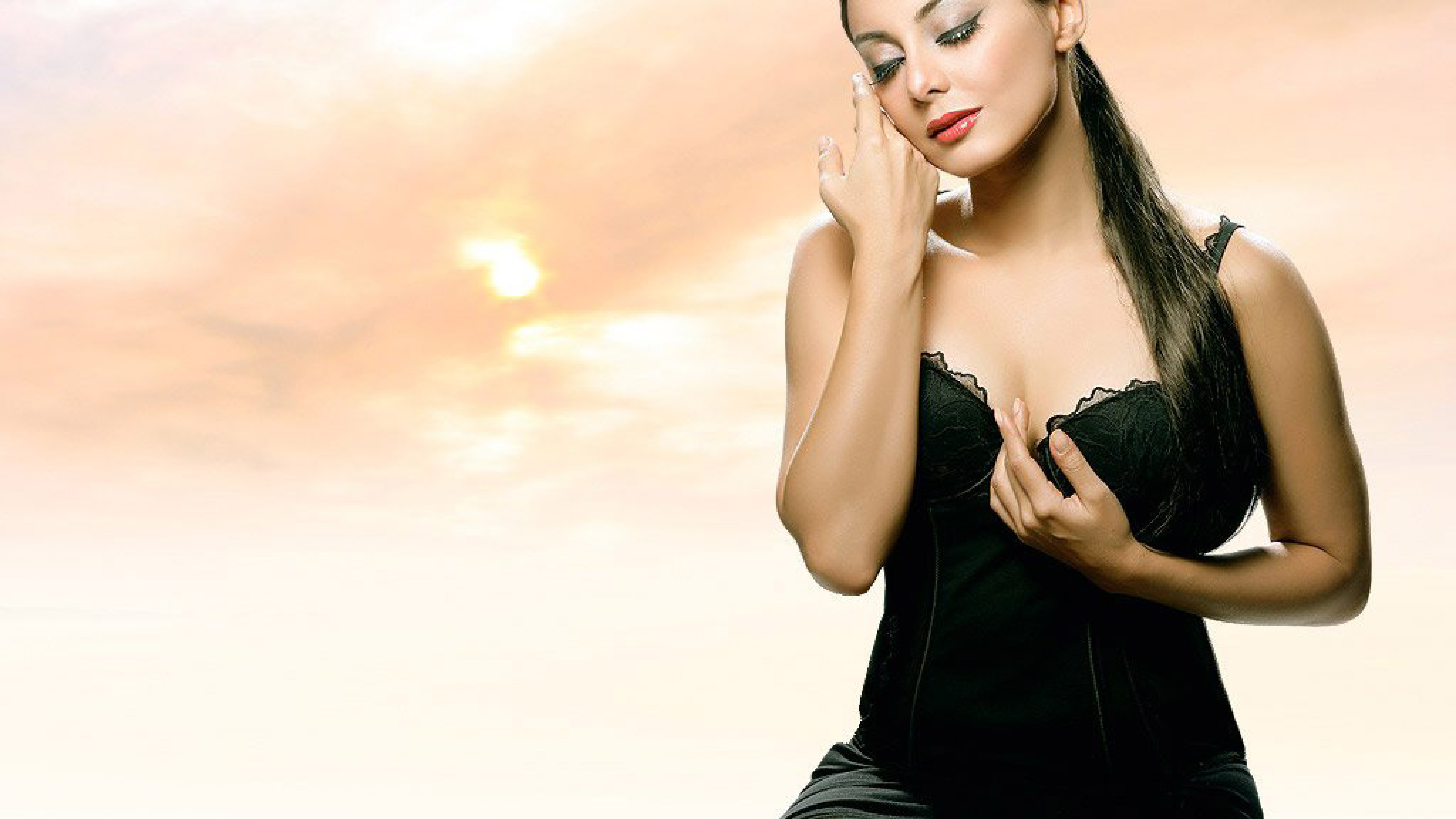 download minissha lamba in black dress photoshoot 5120x2880