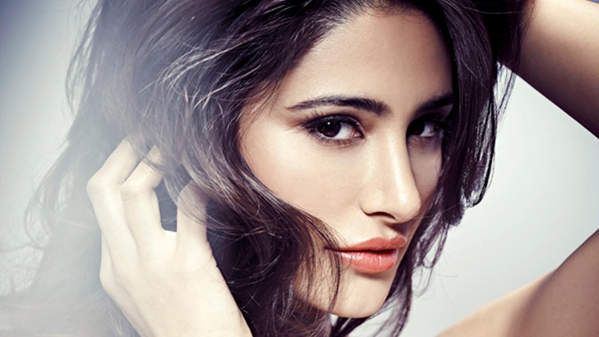 Celebrities Hd Wallpaper Download Nargis Fakhri Hd: Nargis Fakhri Sexi Pics Wallpaper, HD Indian Celebrities