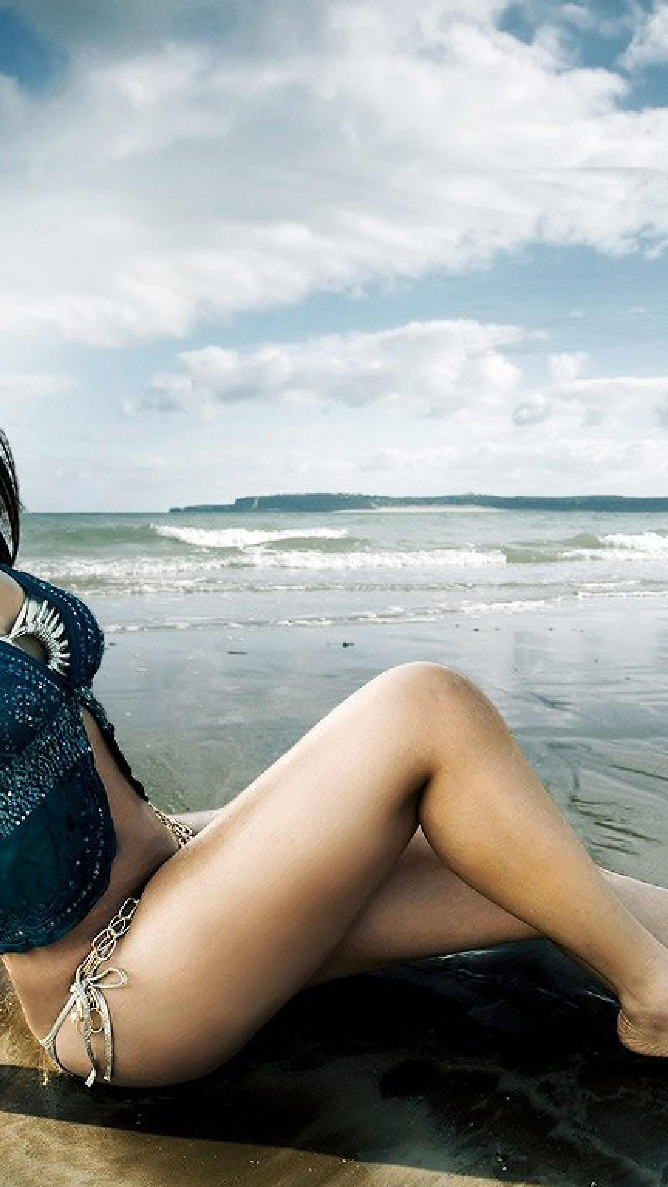 Neetu chandra latest bikini hdwallpapers hd wallpaper - Hd bikini wallpaper download ...