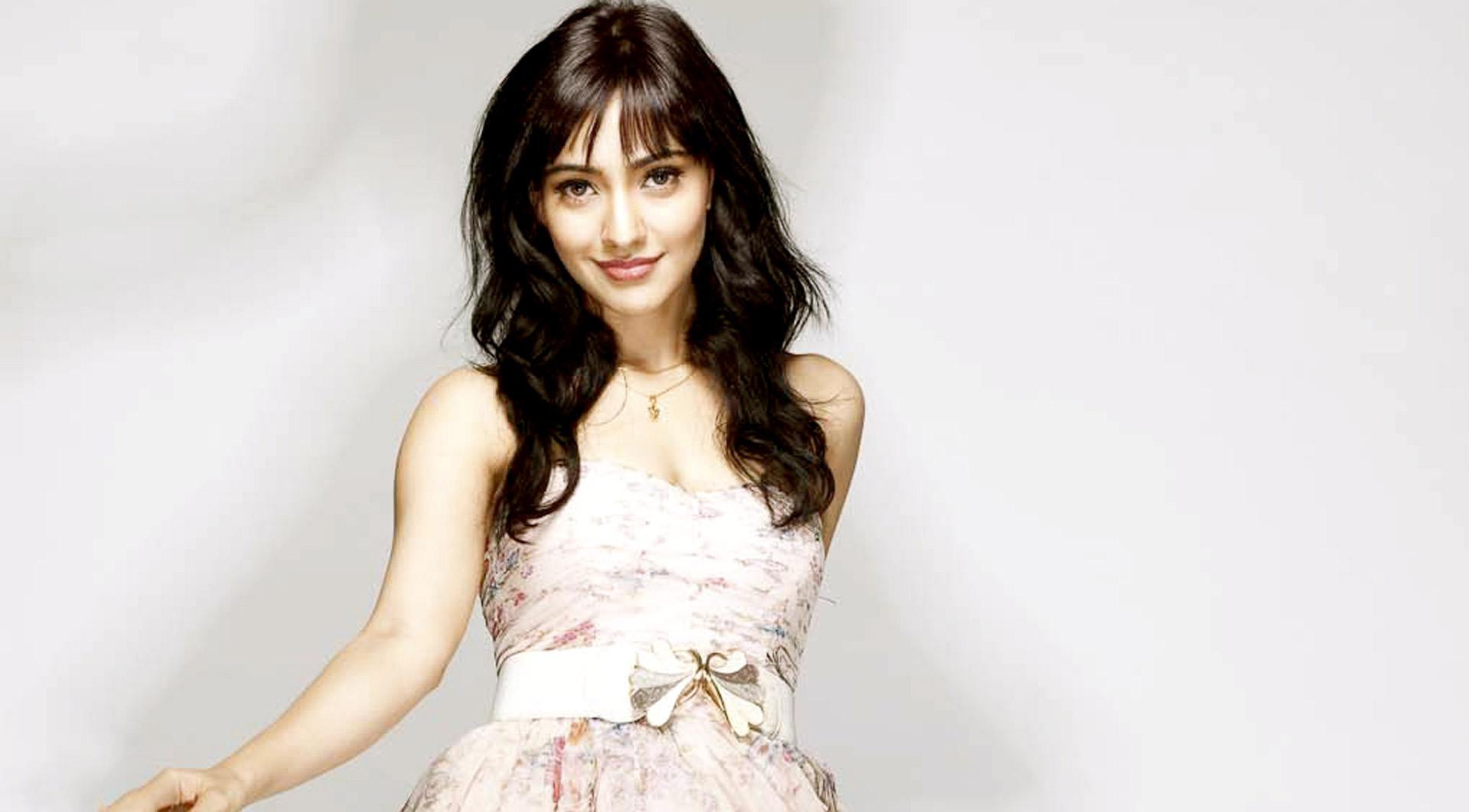 Download Neha Sharma Cute Photoshoot 1080x1920 Resolution Full HD