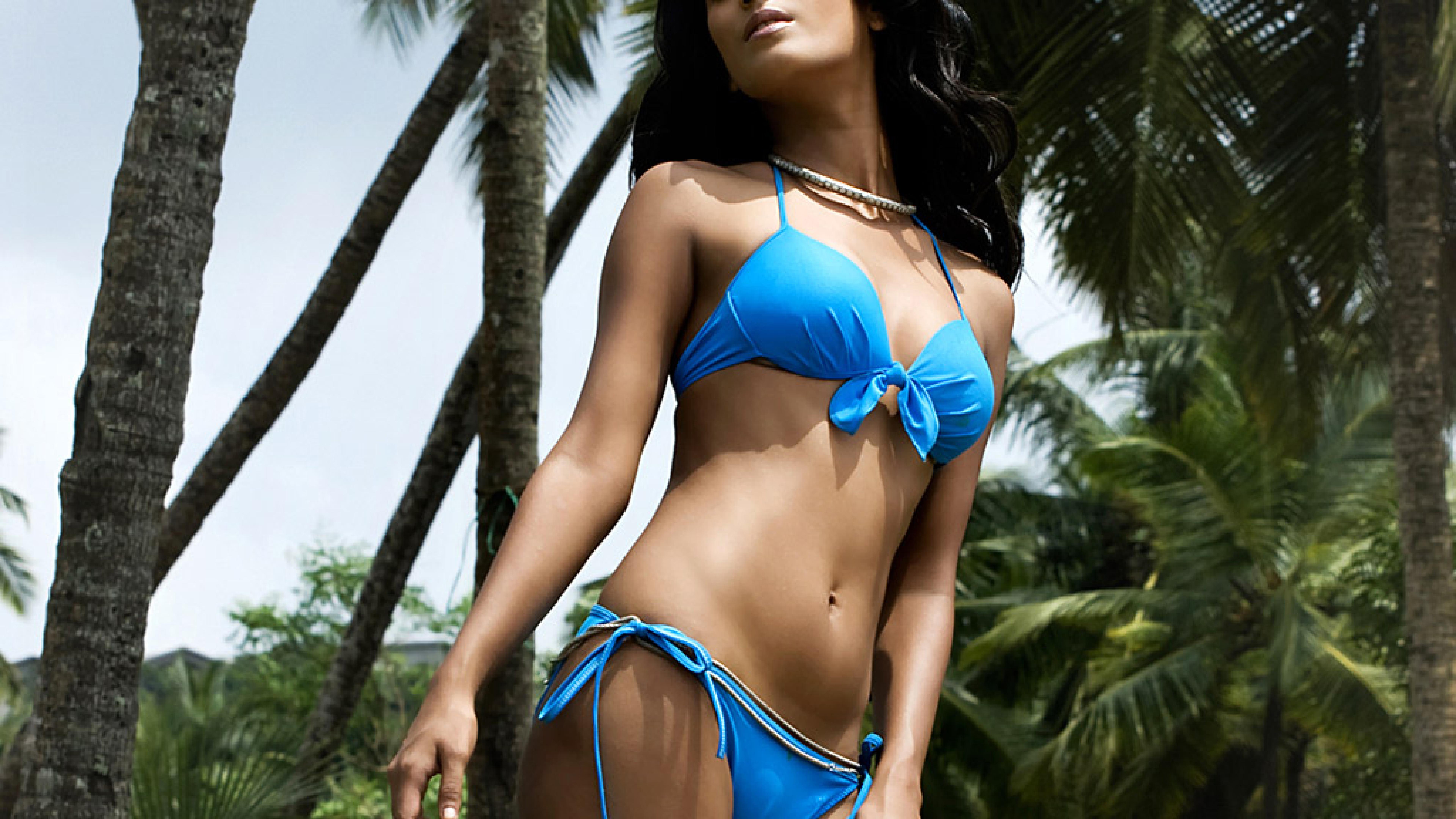 Poonam pandey in bikini photoshoot hd wallpaper - Hd bikini wallpaper download ...