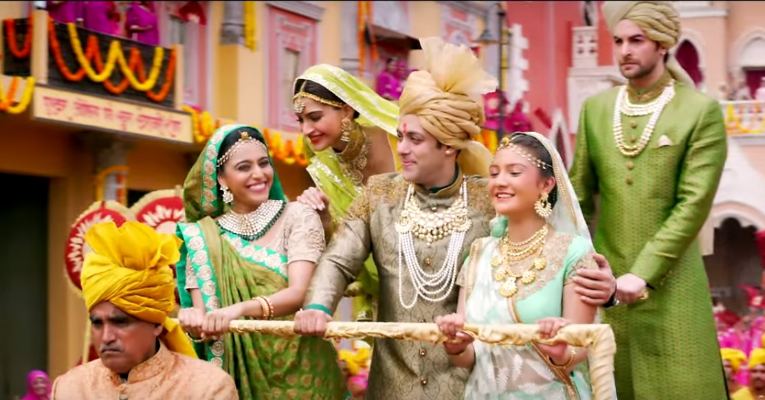 Prem Ratan Dhan Payo - Very Colourful Hindi Song