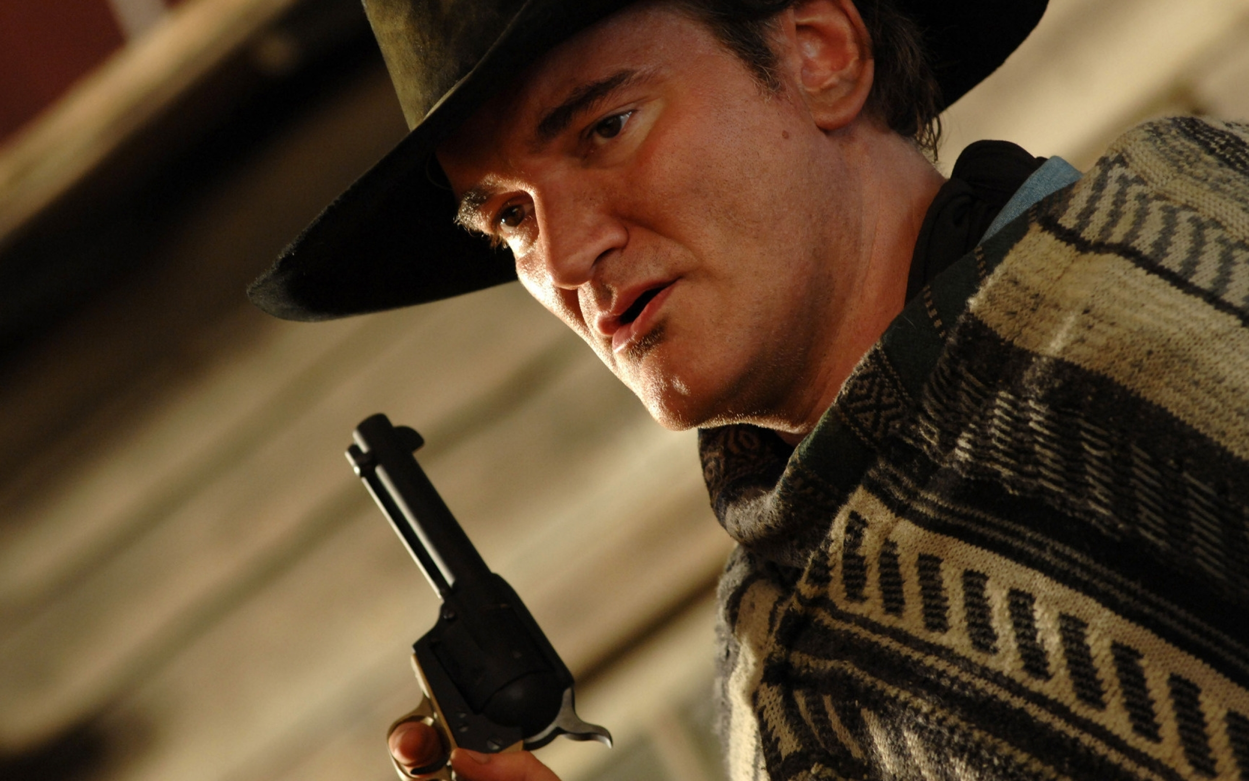 2560x1600 Quentin Tarantino Hat Gun Style 2560x1600