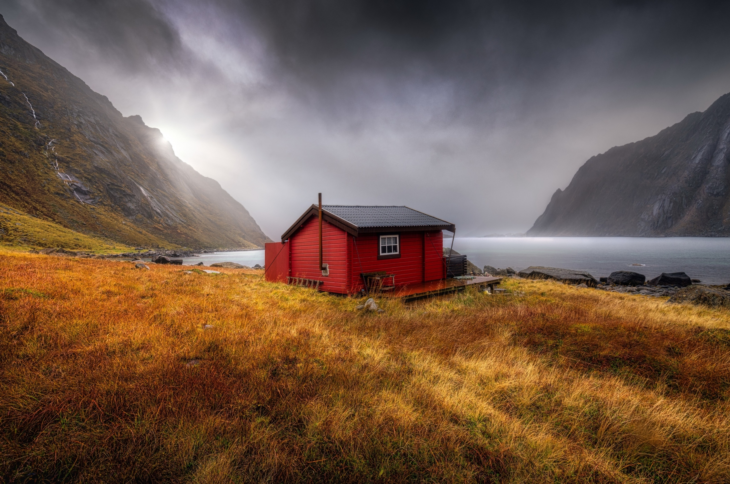 Red Cabin at Bay Wallpaper in 2560x1700 Resolution