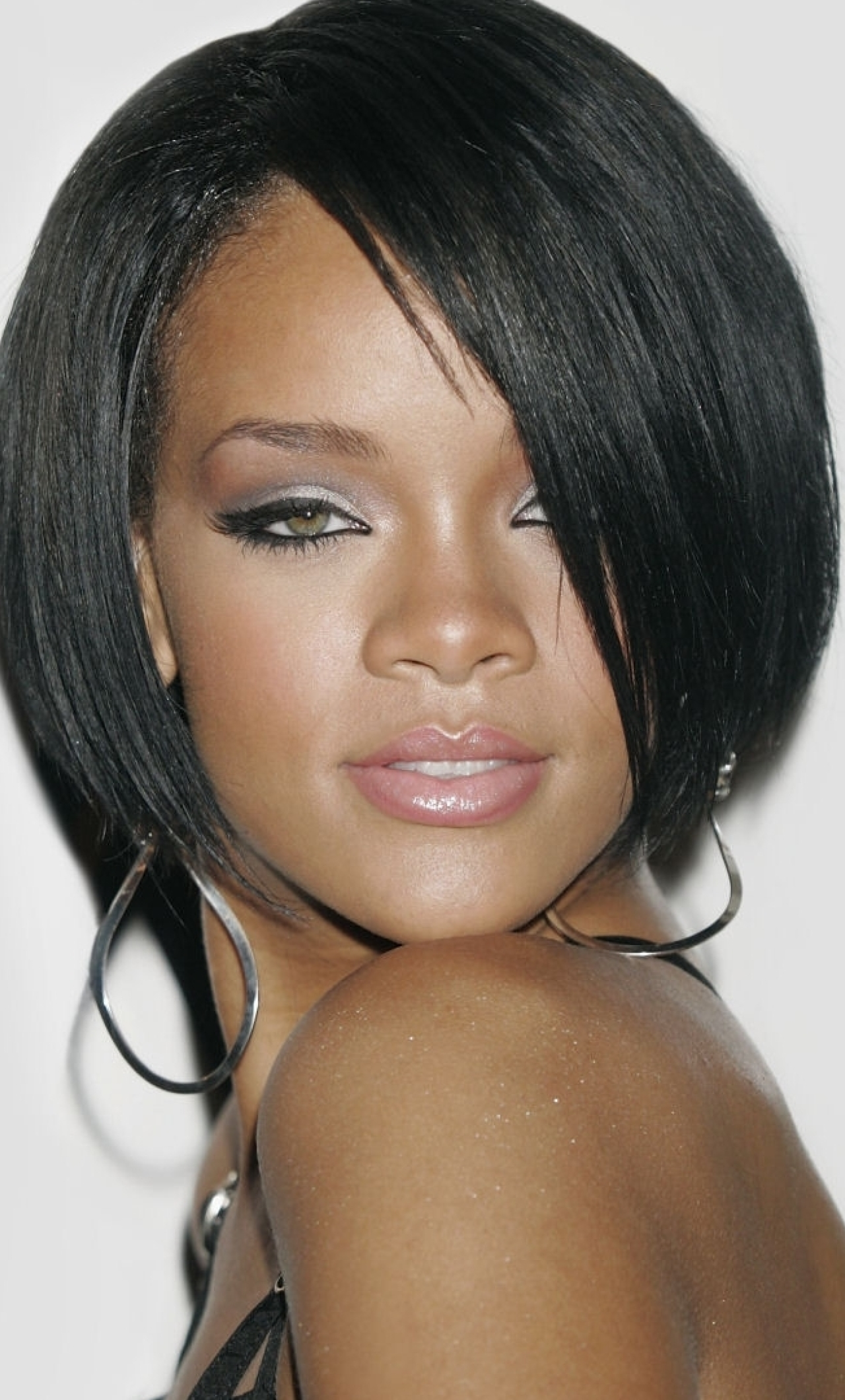 download rihanna hairstyles