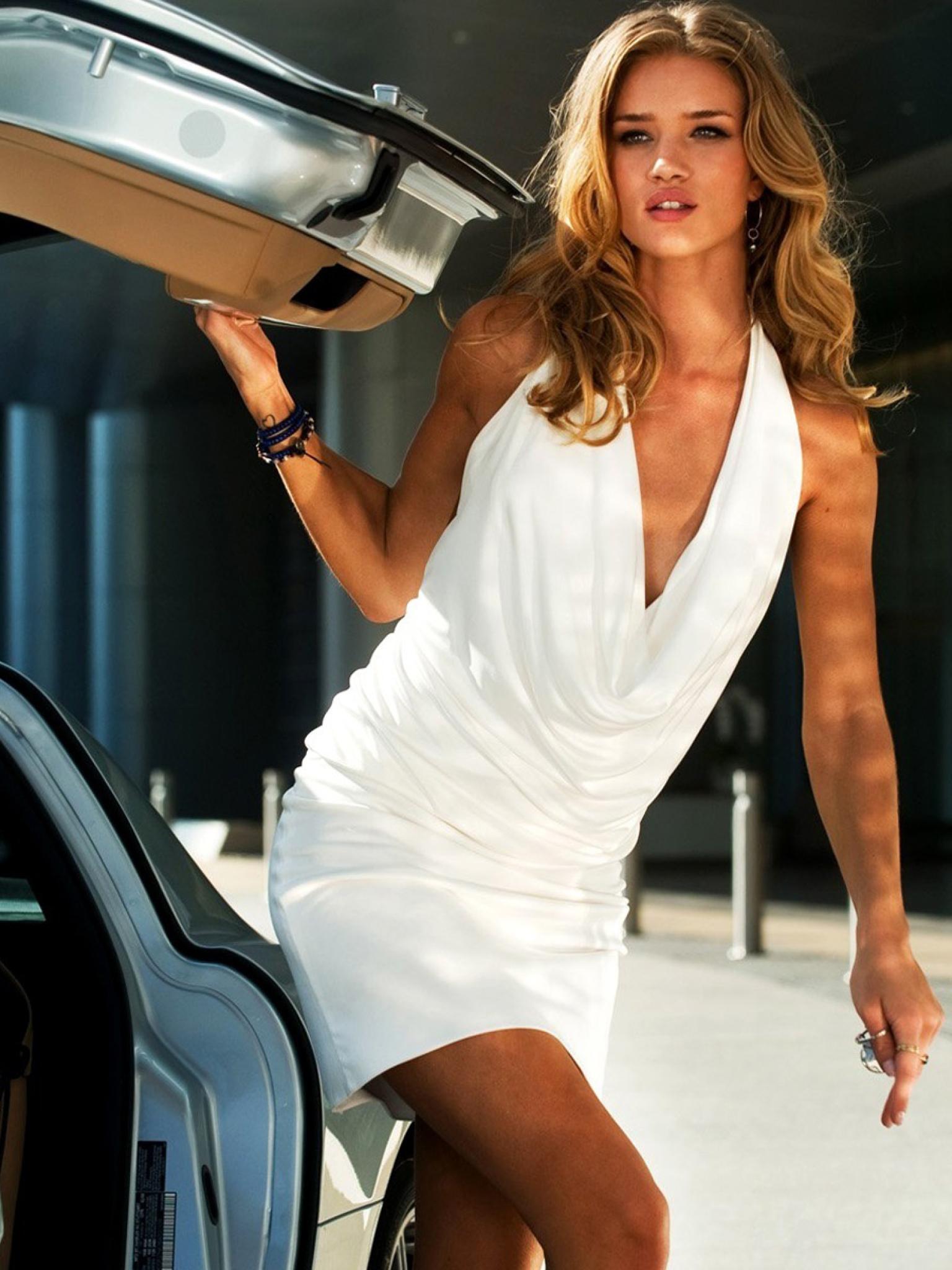 1536x2048 Rosie Huntington Whiteley In White With Car