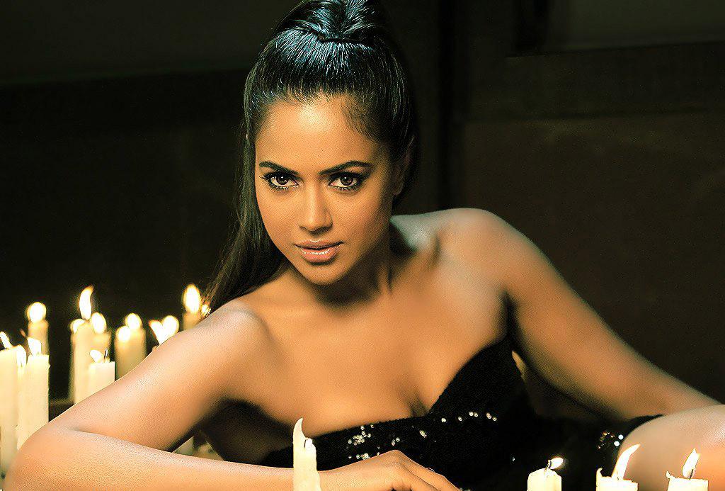 Sameera Reddy Hot Sexy Images Wallpaper, HD Indian ...