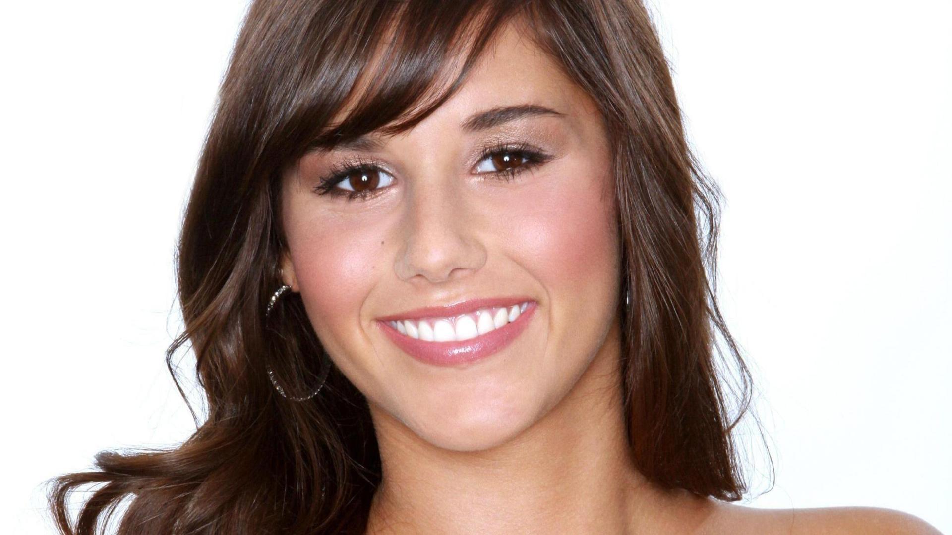 sarah engels, girl, smile Wallpaper, HD Music 4K
