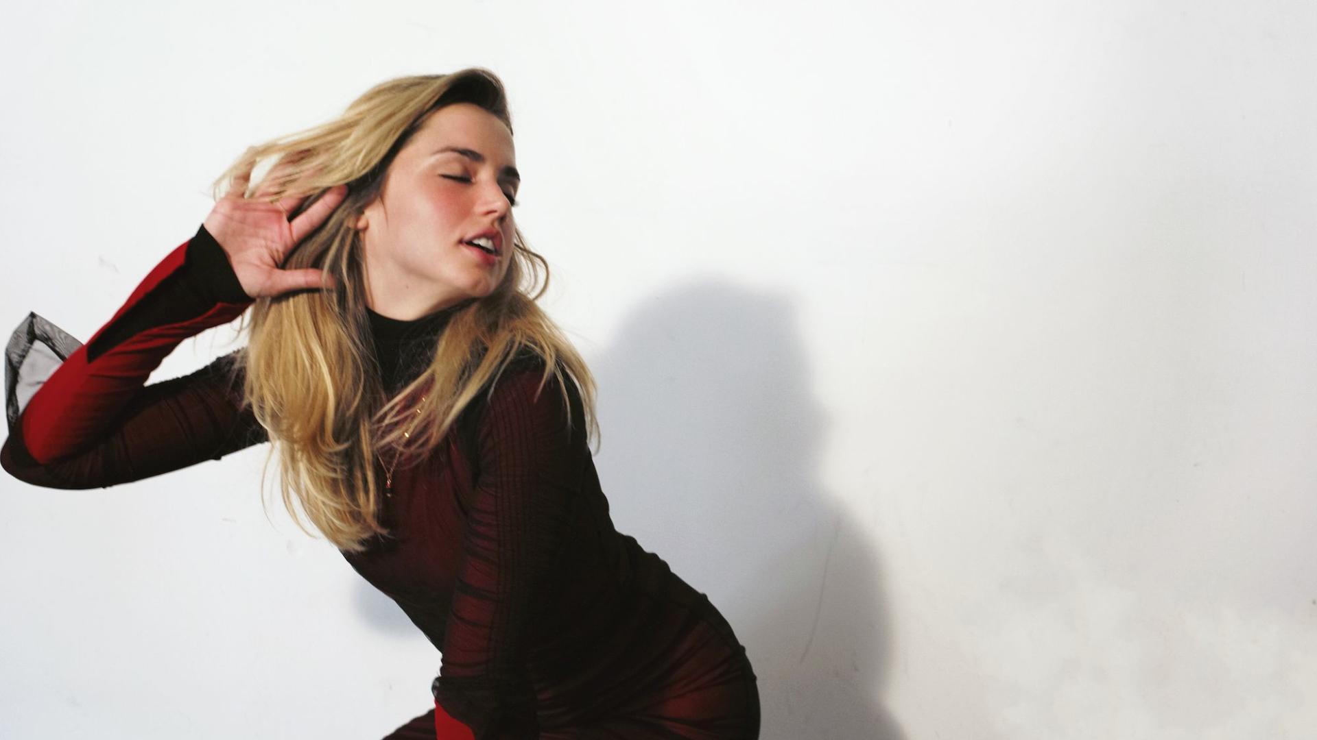 1920x1080 Sexy Ana De Armas In Red 1080p Laptop Full Hd Wallpaper
