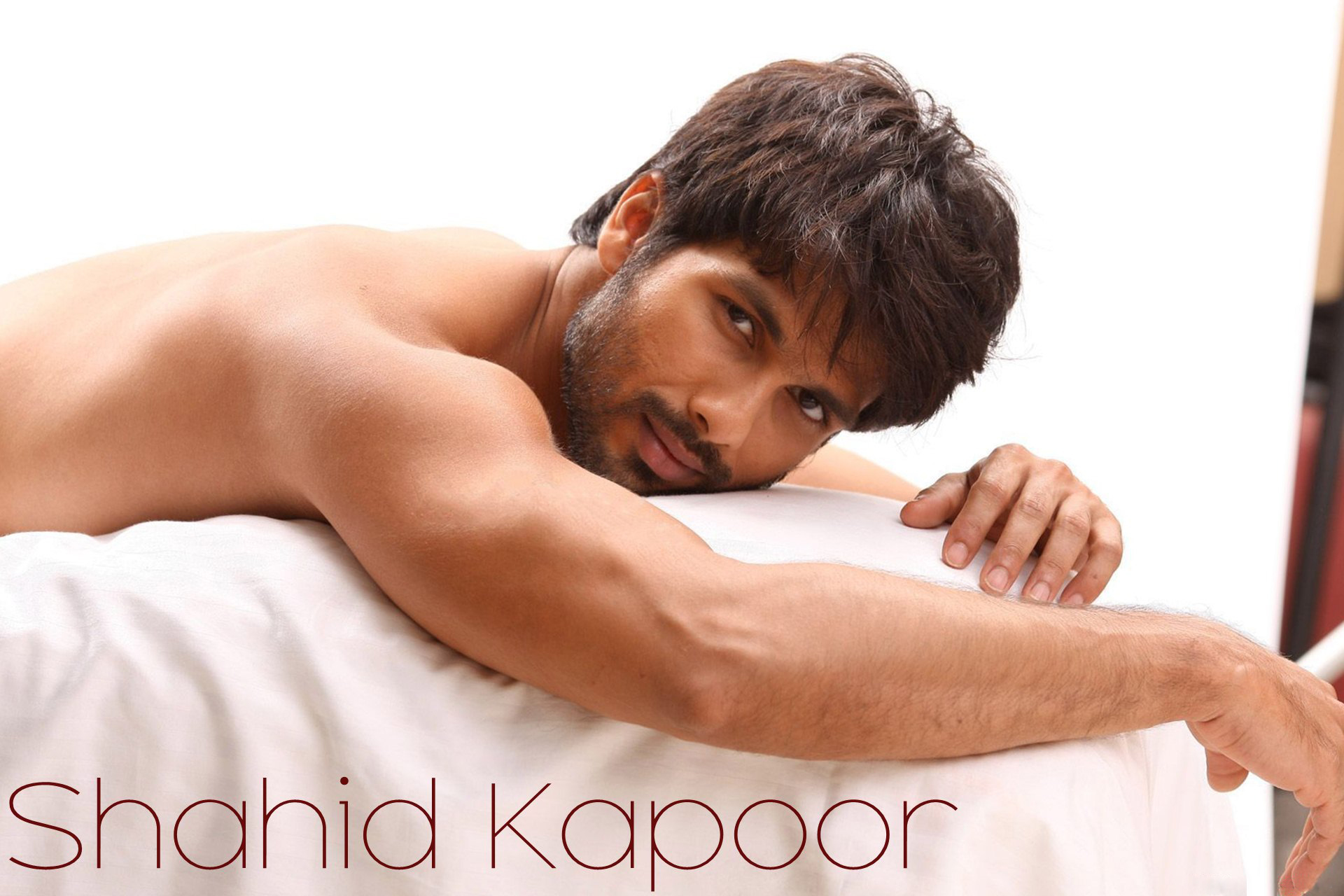download shahid kapoor body photoshoot 2248x2248 resolution, full hd