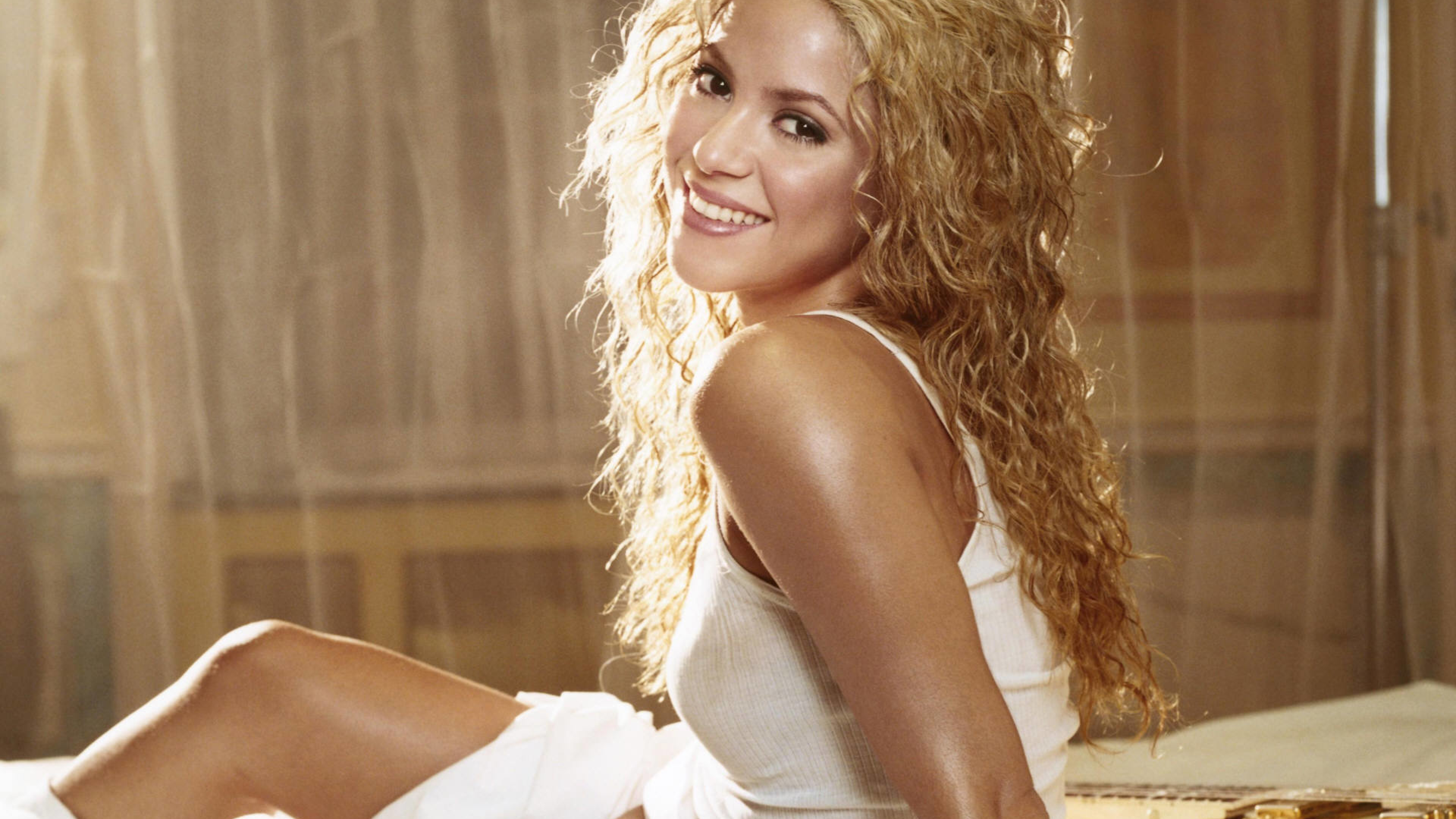 Shakira Smile Photoshoot, Full Hd Wallpaper-5044