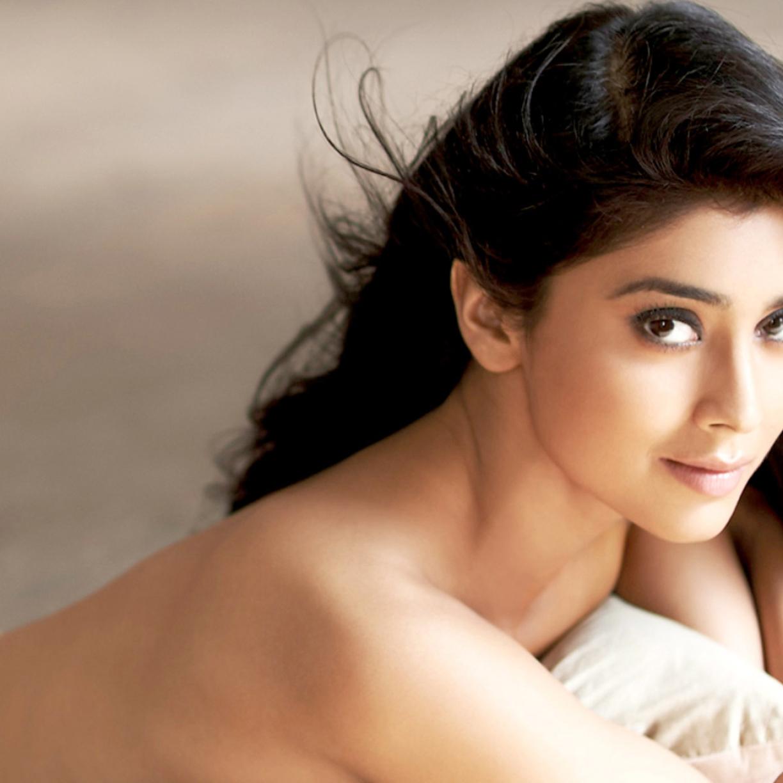 Shriya Saran Latest Topless Photoshoot, Full HD Wallpaper