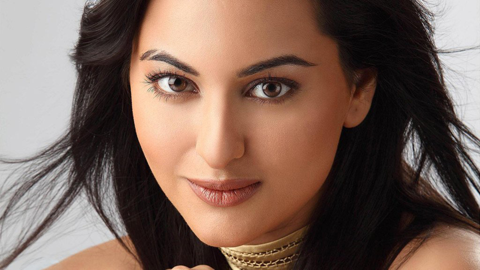 Sonakshi Sinha Close Up Photoshoot, HD Wallpaper