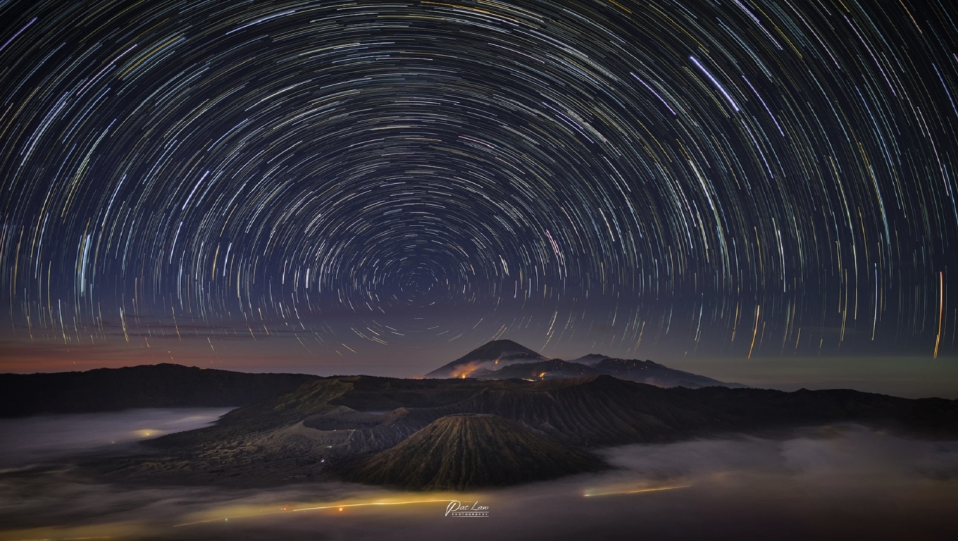 star trail in the night