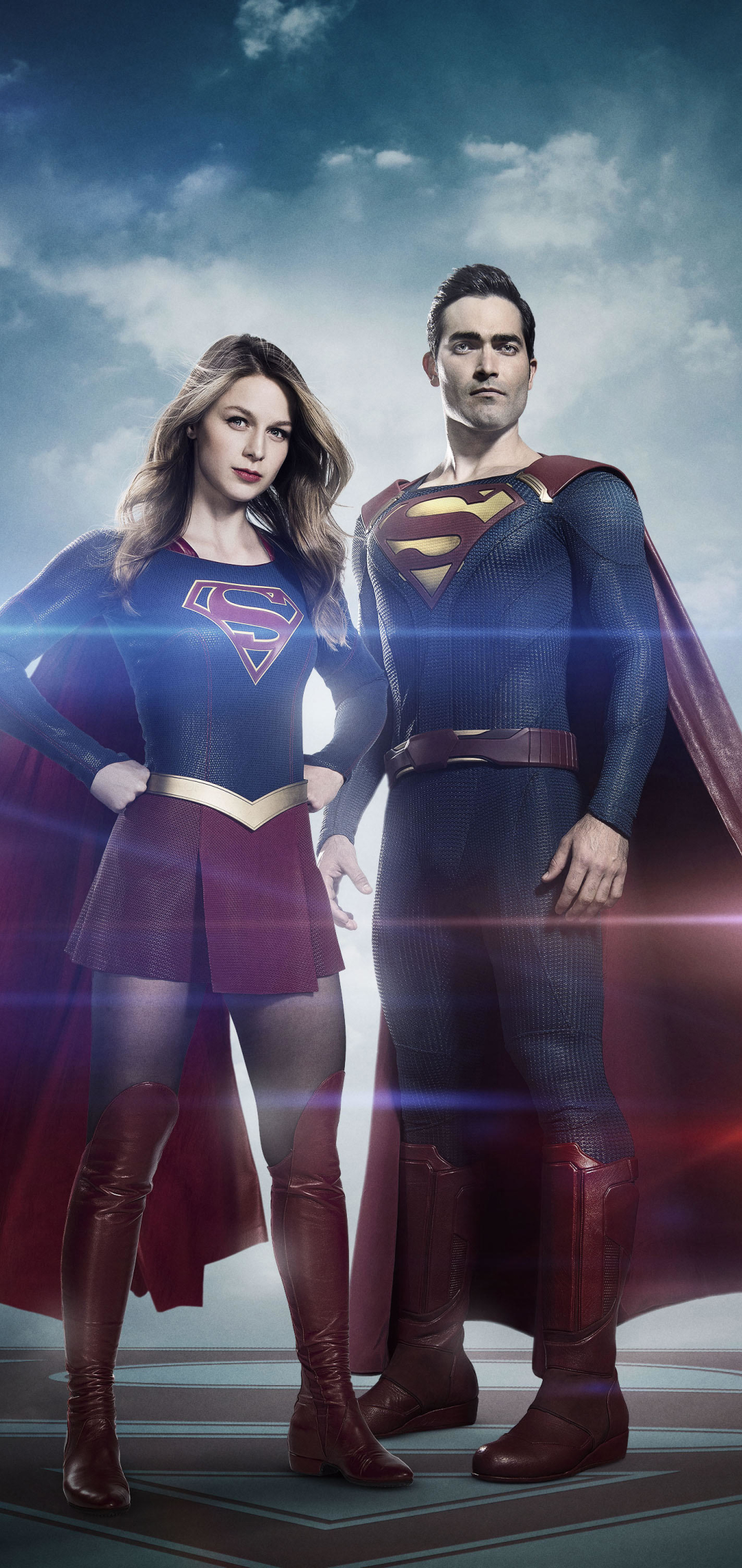 Supergirl and Superman Arrowverse Wallpaper in 1080x2280 Resolution