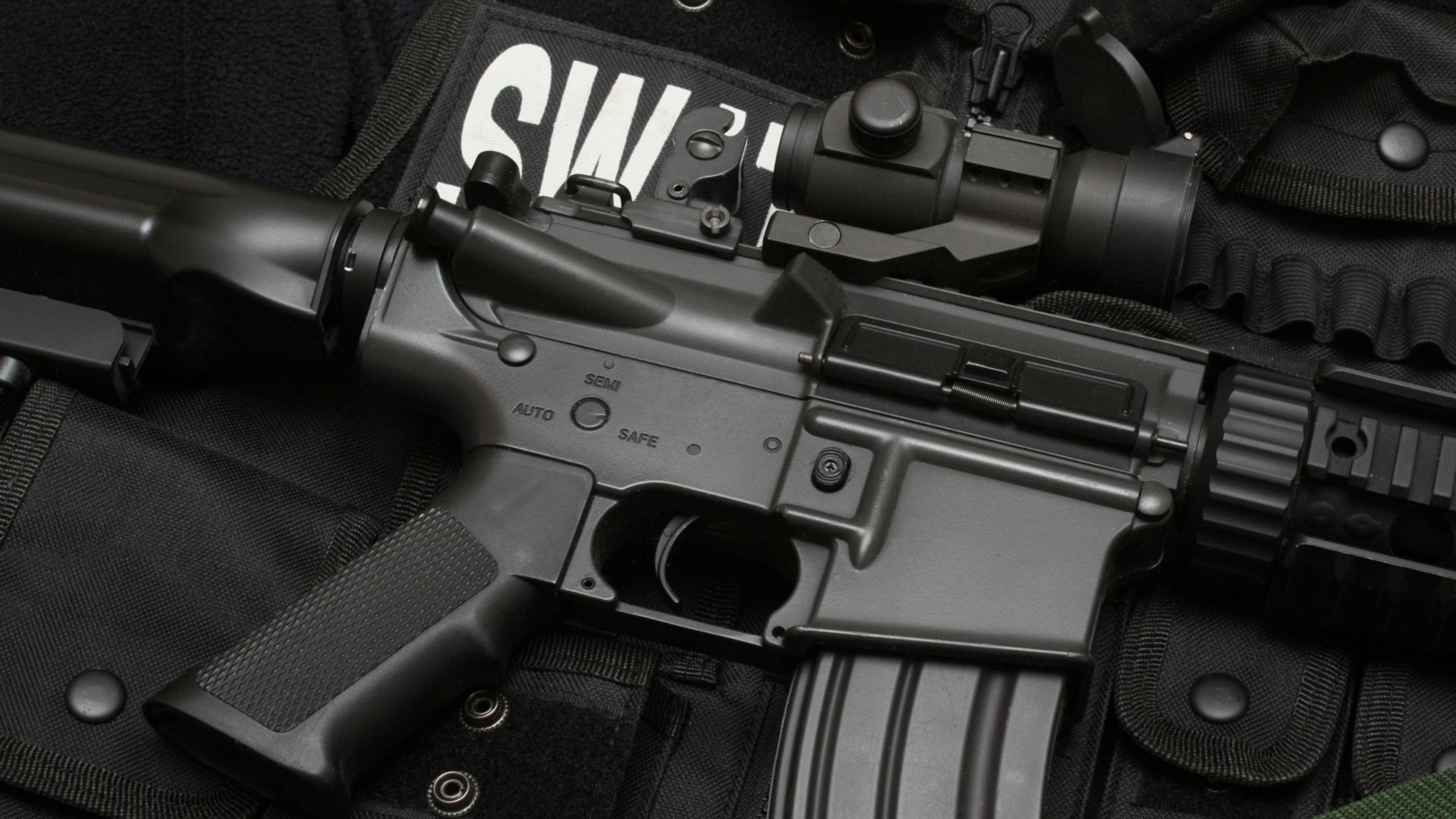 7680x4320 Swat Submachine Gun Bulletproof Vest 8k