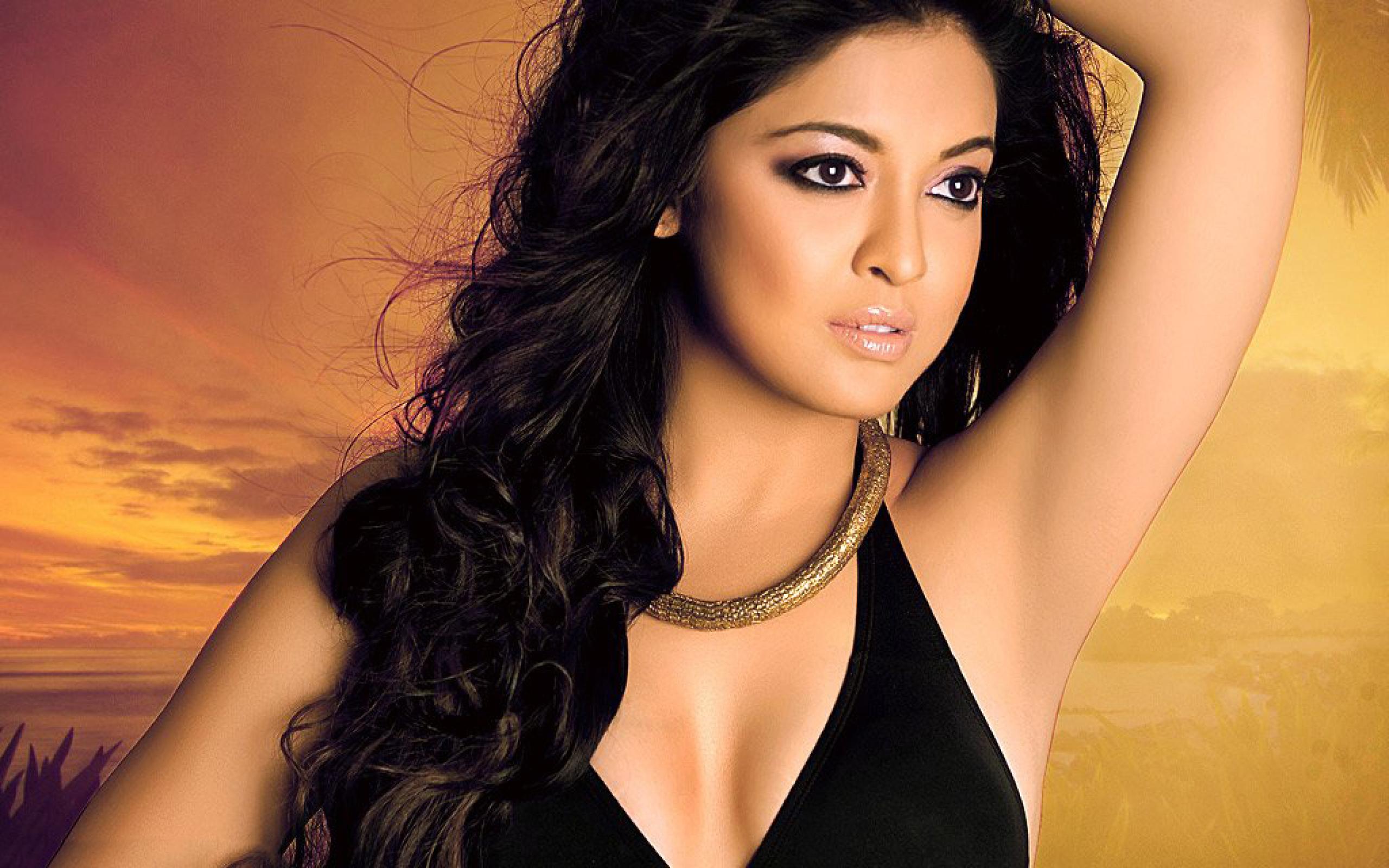 Bollywood actress tanushree dutta erotic nude scene - 3 5