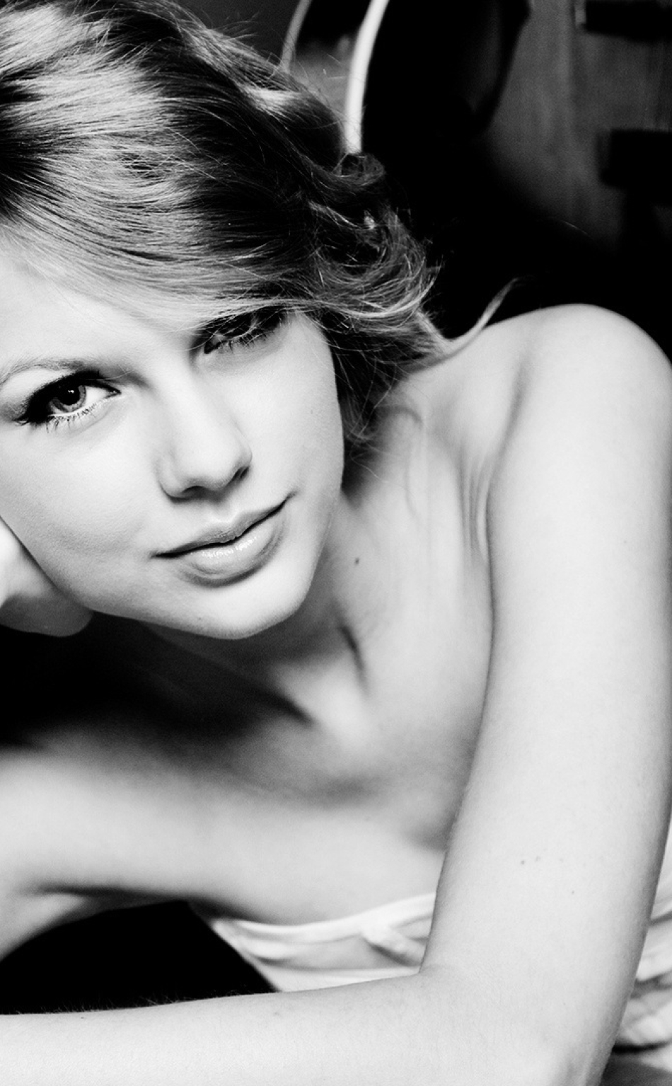 Download Taylor Swift Blank Space Video 950x1534 Resolution Full