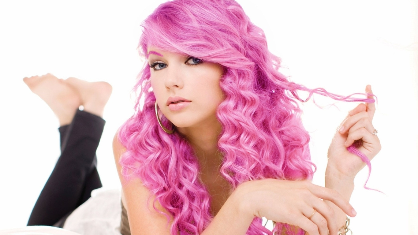 download taylor swift pink hair hair 2560x1024