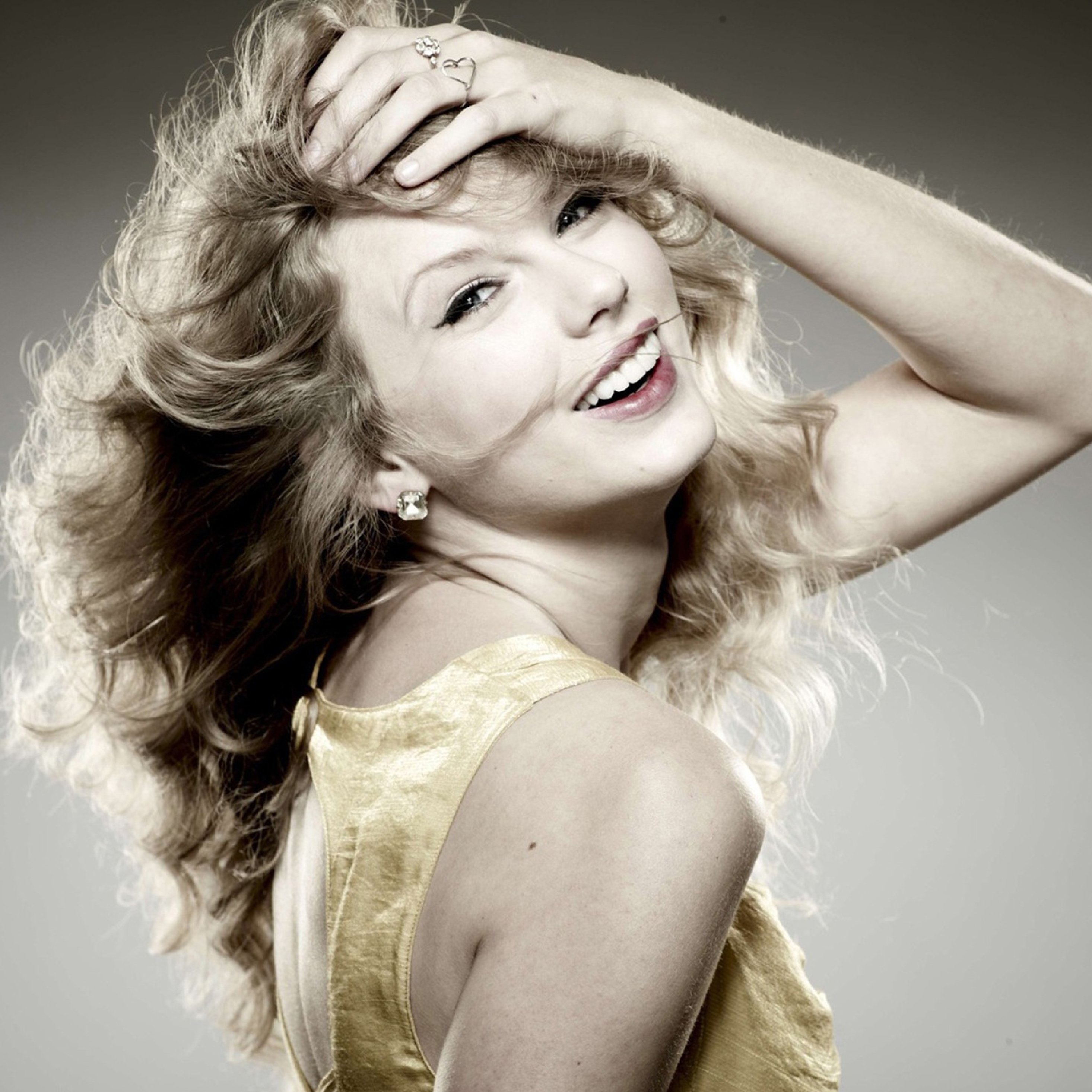 Download taylor swift pretty smile photoshoot 2932x2932 resolution ipad air voltagebd Images