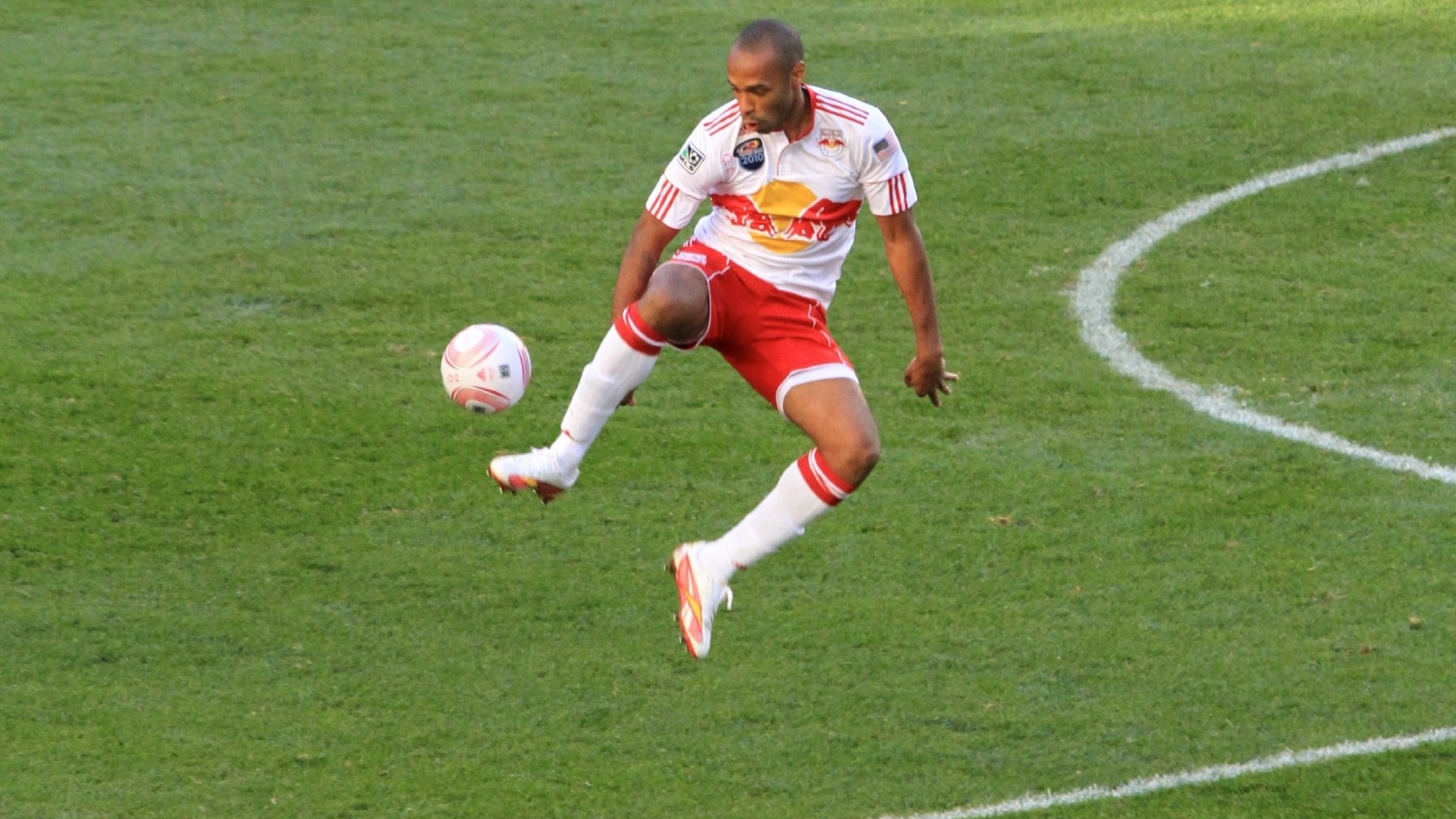 3840x2160 Thierry Henry New York Red Bulls Mls 4k Wallpaper Hd