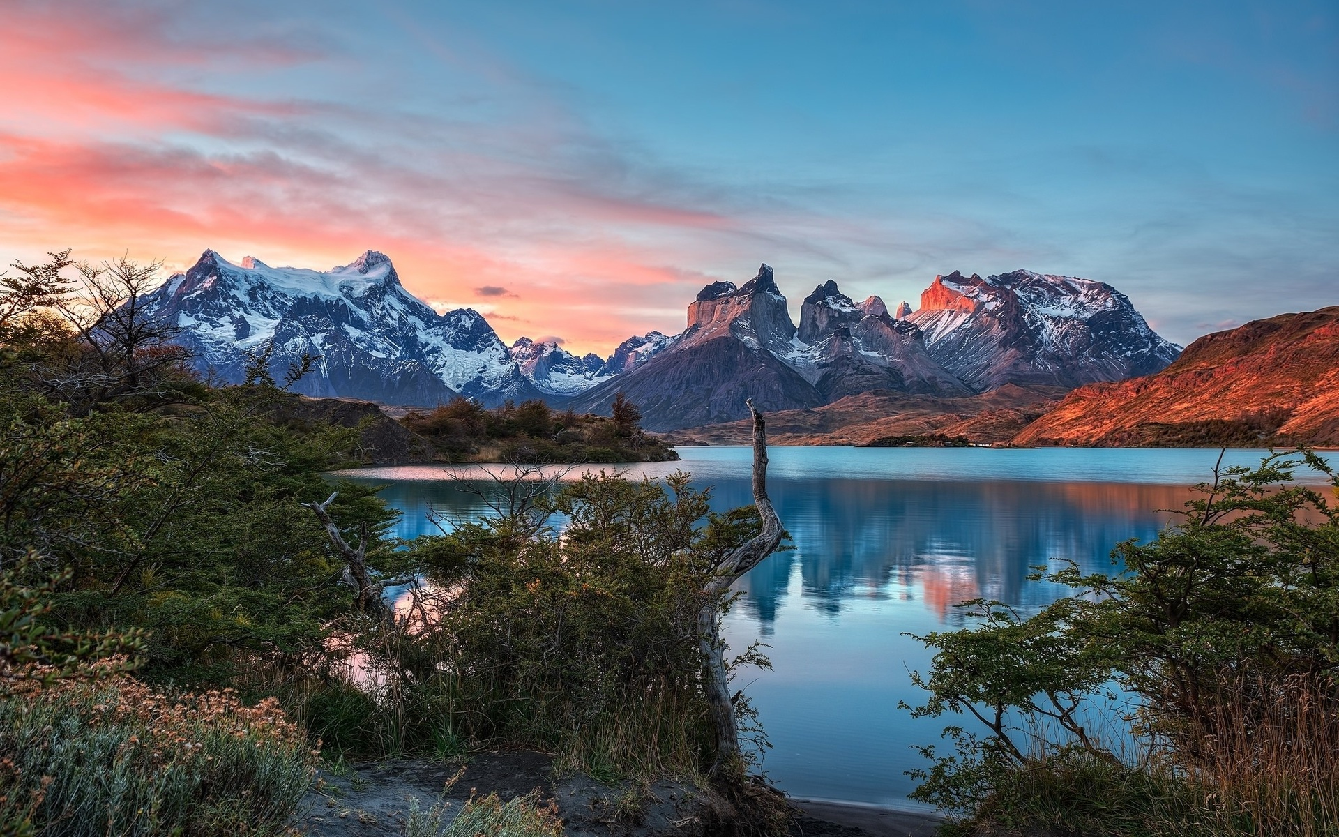 Torres Del Paine Mountains Lake In Chile, Full HD Wallpaper