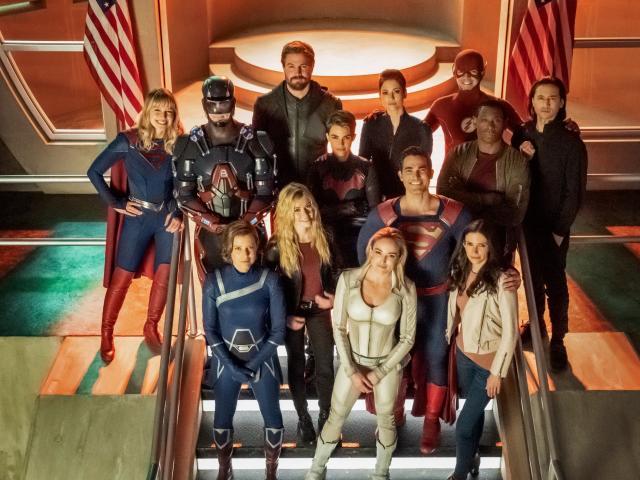 Crisis On Infinite Earths 2019 Team wallpaper