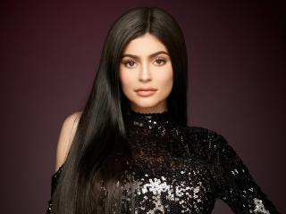 2018 Kylie Jenner Portrait wallpaper