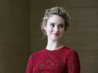 2019 Lily James wallpaper
