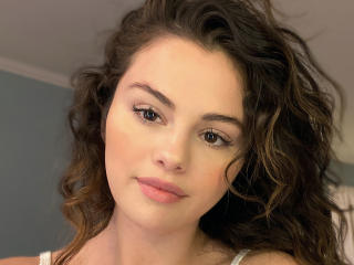 4K Selena Gomez without Makeup 2020 wallpaper