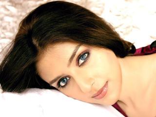 Aarti Chhabria Blue Eyes wallpaper
