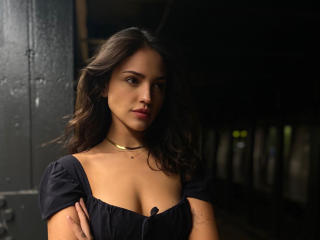 Actress Eiza Gonzalez 2020 wallpaper