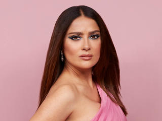 Actress Salma Hayek 2021 wallpaper
