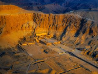 Aerial view of the Temple of Hatshepsut HD Egypt wallpaper