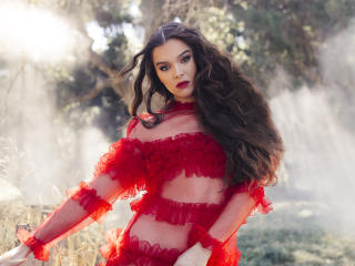 Afterlife Hailee Steinfeld Portrait wallpaper