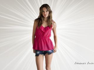 Alessandra Ambrosio In Shorts Pics wallpaper
