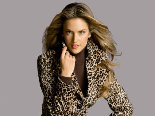 Alessandra Ambrosio Lovely Outfits wallpaper