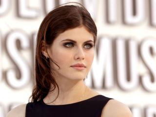 Alexandra Daddario Beautiful Eyes wallpaper