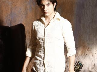 Ali Zafar With Guitar Pics wallpaper